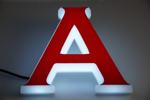LED Acrylbuchstaben leuchtend